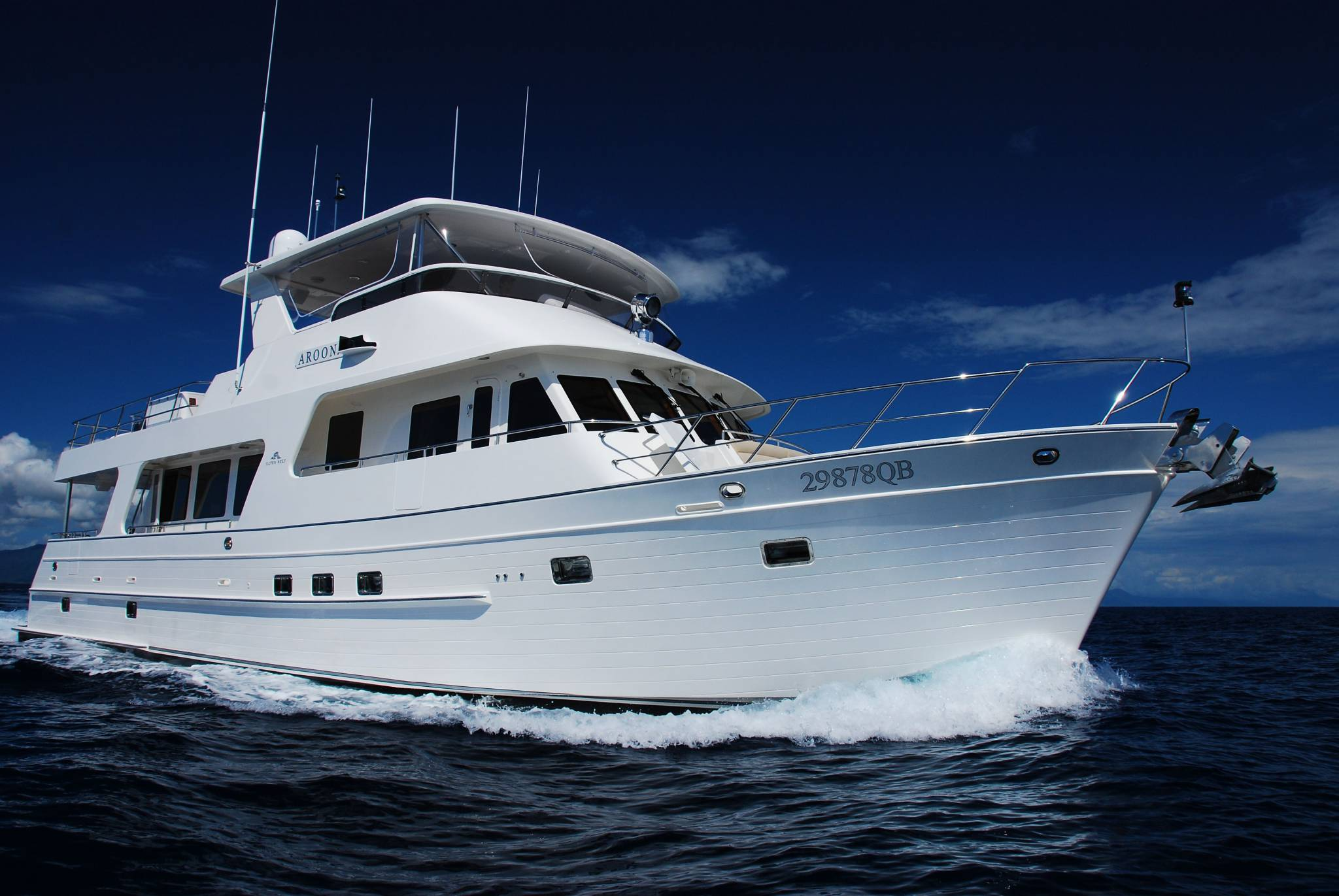 Aroona Boat Private Yacht Charter Cairns