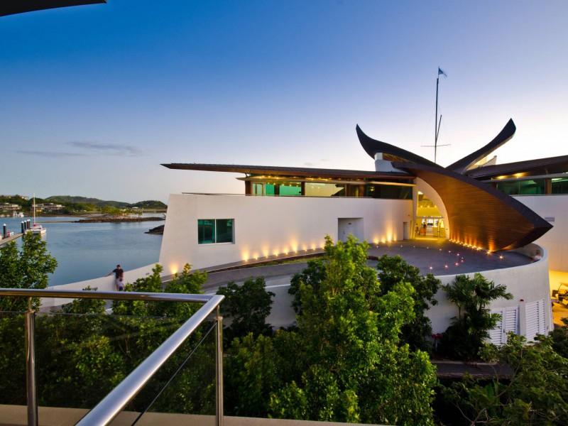 Yacht Club Villa 1