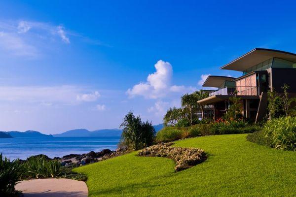 hamilton island yacht club whitsunday holidays. Black Bedroom Furniture Sets. Home Design Ideas