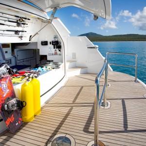 Yacht charters whitsundays D111 watersports