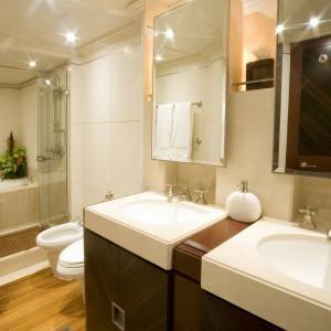 Yacht charters whitsundays owners bath