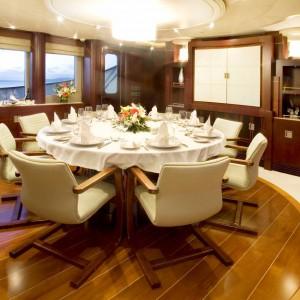 Yacht charters whitsundays saloon-dining dusk