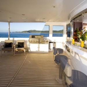 Yacht charters whitsundays upperdek