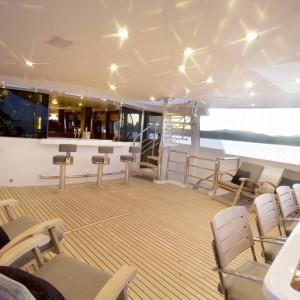 Yacht charters whitsundays upperdek dusk