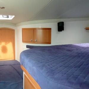 Seawind 1250 catamaran masterbed