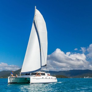 whitsunday getaway catamaran underwater