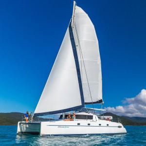 whitsunday getaway catamaran side