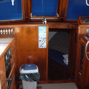 Charter sundecker 36 seaassta galley