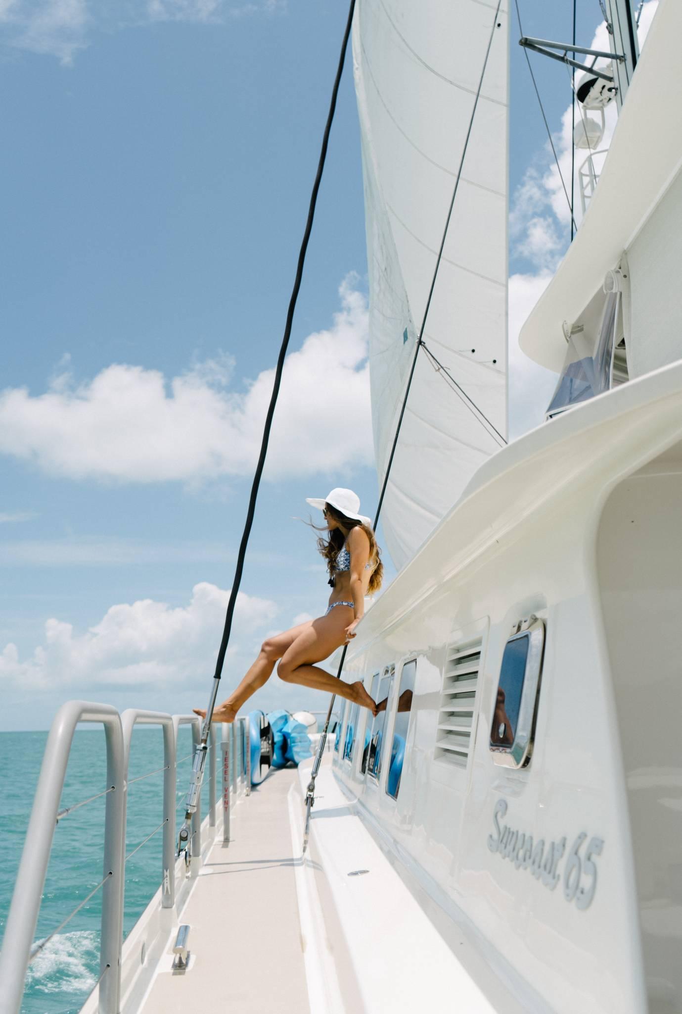 Jalun 65ft Luxury Sailing Catamaran Whitsunday Holidays